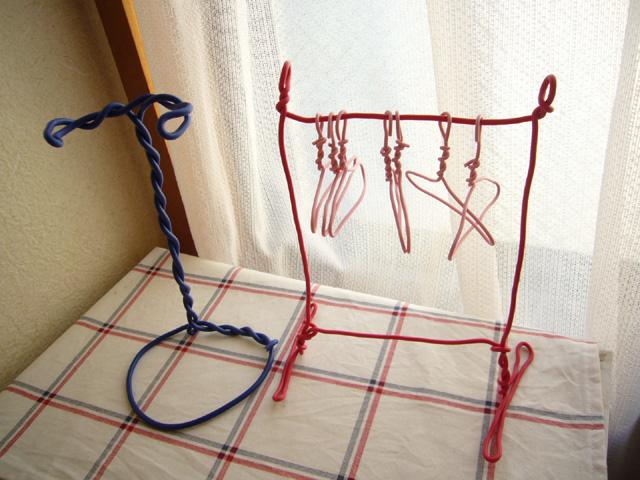 針金ハンガーの収納リメイク方法8選 ...